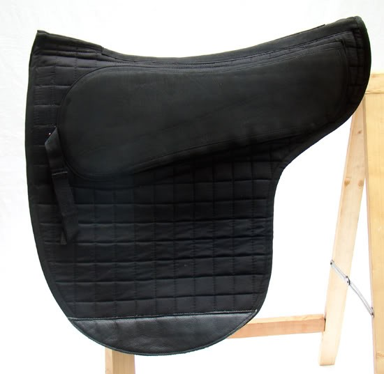 spezielles sattelpad luxus englisch f r baumloser sattel. Black Bedroom Furniture Sets. Home Design Ideas